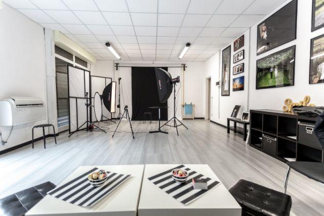 Noleggio studio fotografico, sala posa Bologna